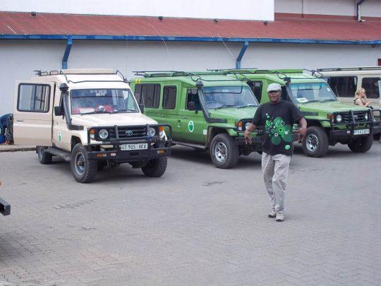 Borderless-Tours-Sarafis-vehicles-4